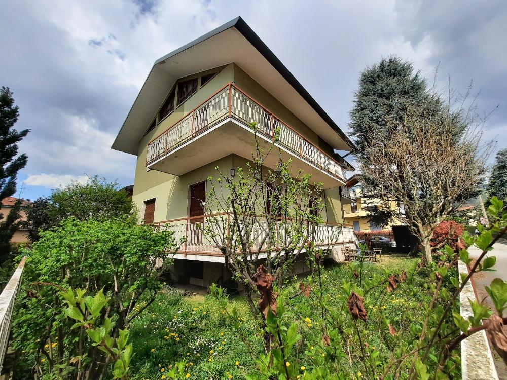 Conca fiorita appartamento in villa bifamiliare